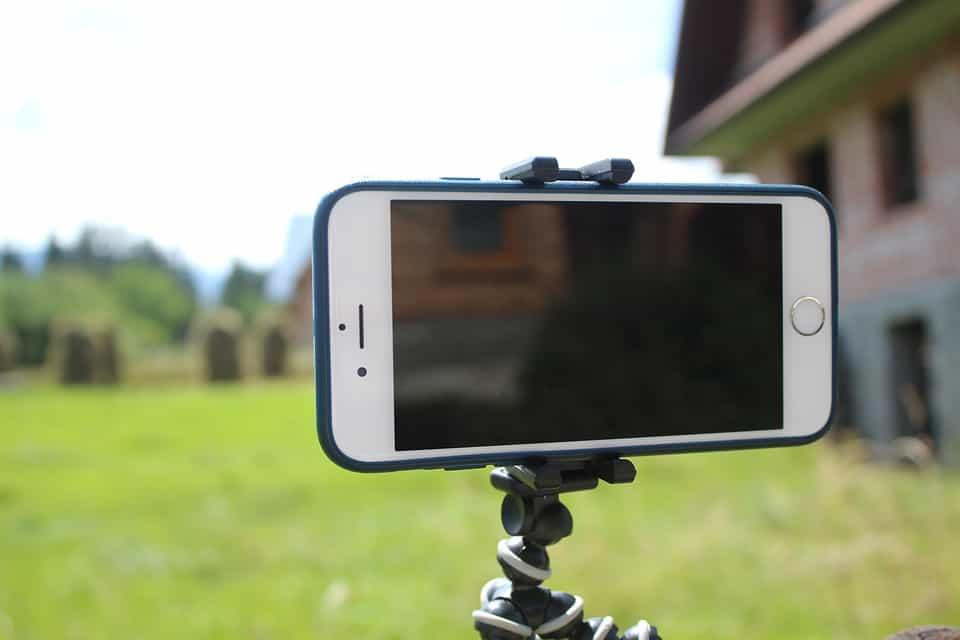 Как снимать видео на телефон с использоанием штатива