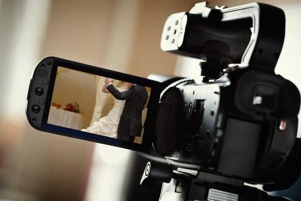 Как заработать снимая видео? - Вот 12 основных способа.
