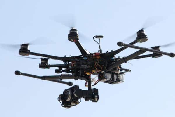 Квадракоптер с видеокамерой