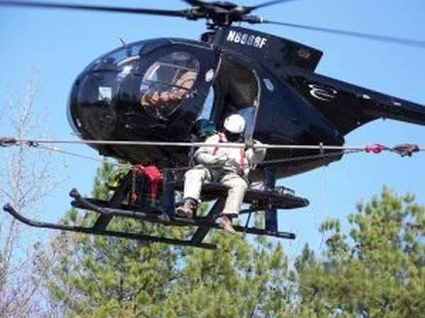 Монтаж электролиний с вертолета.