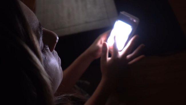 LED освещение в видео. Свет от телефона