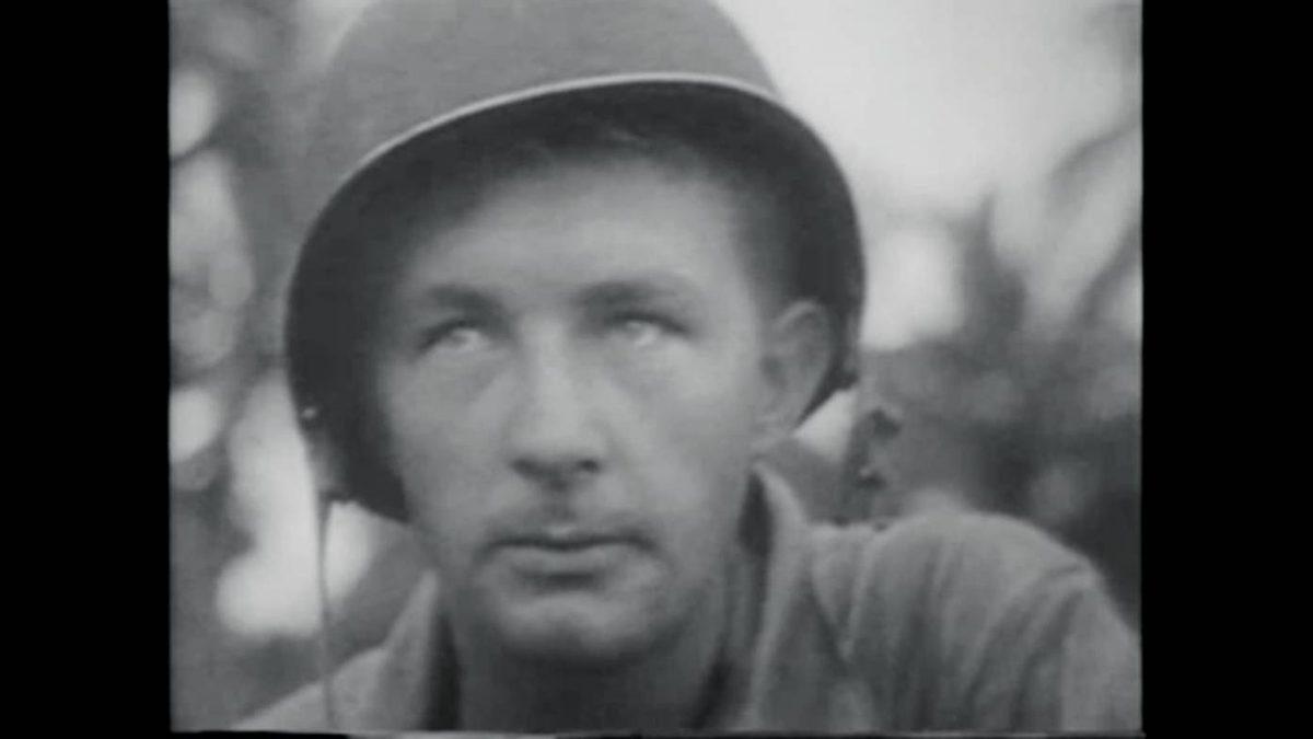 Кадр из пропагандистского сериала «Зачем мы сражаемся» (1942-43) эпохи Второй мировой войны следует описательной форме документального фильма, прежде всего закадровым голосом.